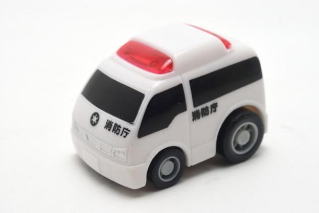 FIRE_FIRE ORIGINAL ミニミニチョロQコレクション 5.救急車_001
