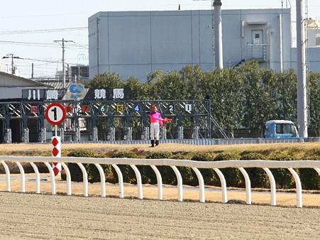 120219ポニーレースin川崎-スターターは金子正彦騎手-01