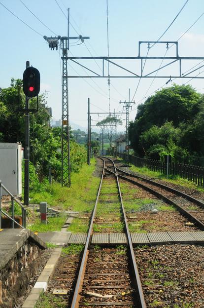 単線 対向電車待ち