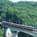Photos: 中央線富士見のコンクリート橋を走るE233系諏訪湖花火大会臨時列車