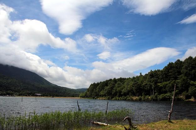女神湖と雲