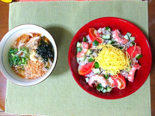 冷やしぶっかけうどん&サラダ風ちらし寿司…