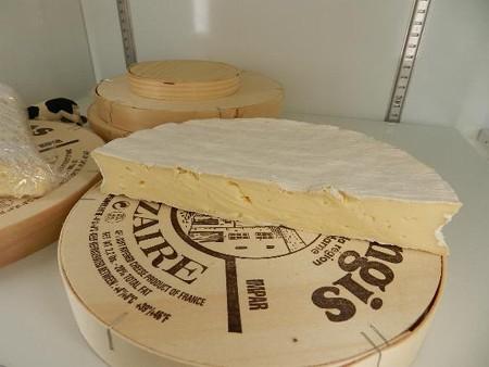 ブリー・ド・ナンジ(札幌チーズ)