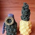 写真: 手榴弾とパイナップル