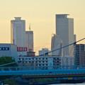写真: 御陵橋(堀川)の上から見た、夕暮れ時の名駅ビル群 - 2