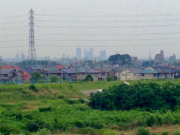 写真: 吉根橋(庄内川)の上から見えた名駅ビル群 - 3