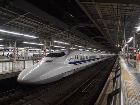700系ひかり 東海道新幹線新大阪駅02