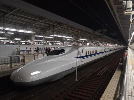 N700系のぞみ 東海道新幹線新大阪駅01