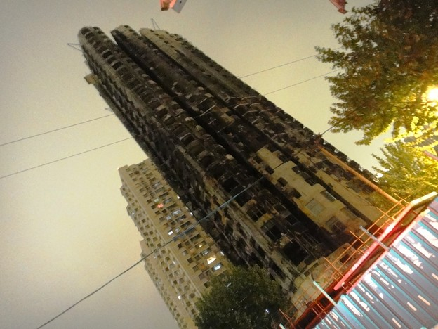 上海火事になったビル