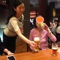 写真: まずは缶ビール