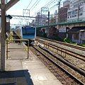 JR鶴見駅に侵入する京浜東北線