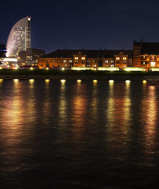 写真: 赤レンガ倉庫夜景2