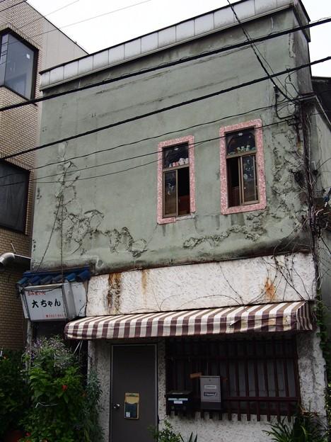 東十条銀座 古い建物