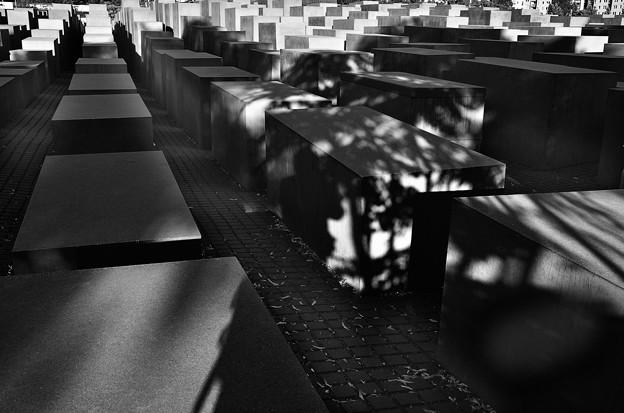 ユダヤ人犠牲者記念館2