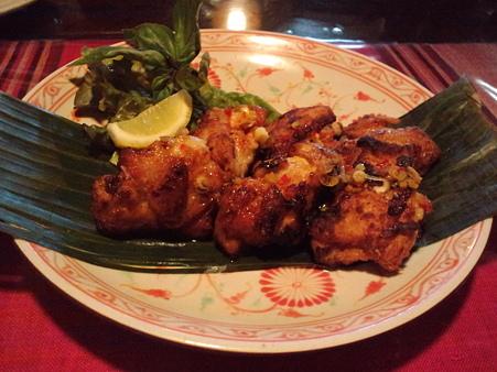 カリカリ鶏肉の甘辛ソース