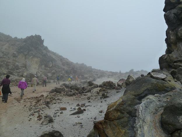 霧の恵山登山