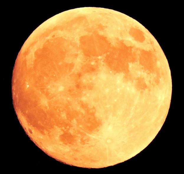 月は・・中秋の名月(十五夜) 09:27(18:09)