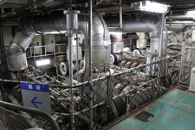青函連絡船メモリアルシップ 八甲田丸 -11- 第一主機関室(エンジンルーム)