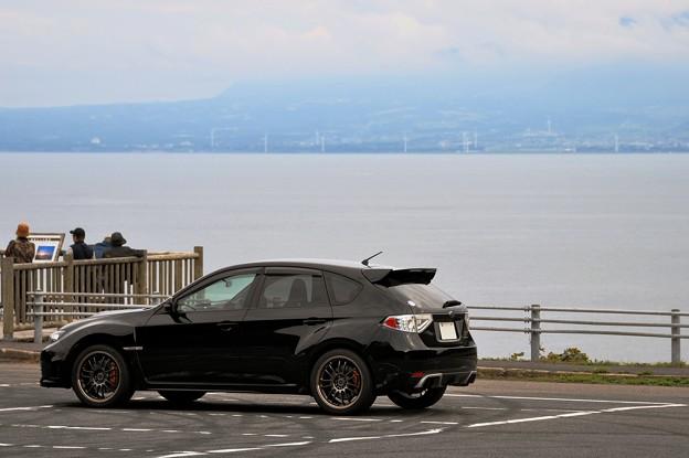 美保湾と黒い愛車