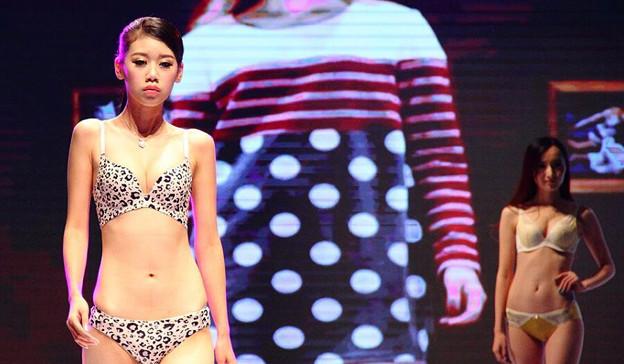 南京の下着モデルさん 今日の大陸小姐 9-24 (4)