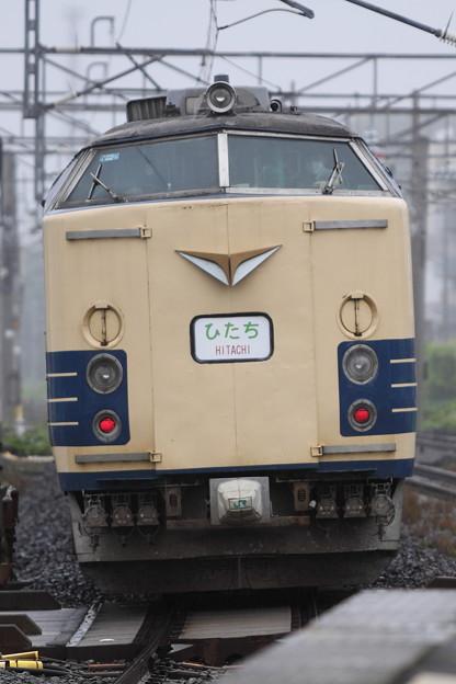 Photos: 583系ひたち号(後追いピンボケ)