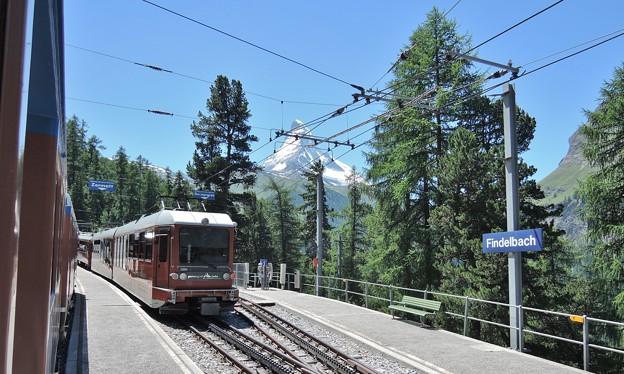 登山電車とマッターホルン