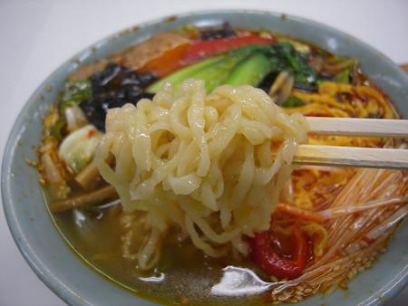 中華 宝亭 タンタンメン(辛い)(出前) 麺アップ