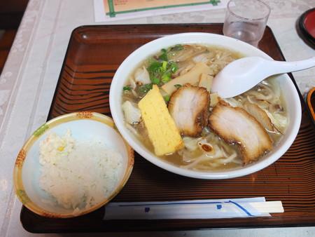 金井旅館 塩の道食堂 塩の道特製塩ラーメン¥700