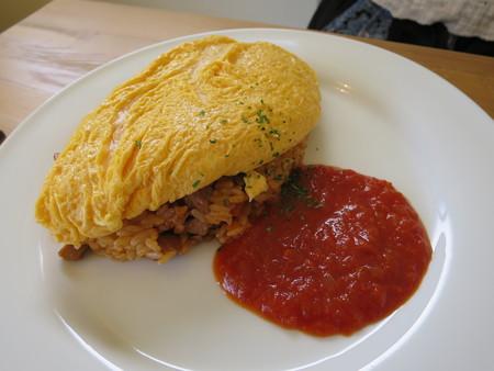 レストラン カノア オムライス トマトソース アップ