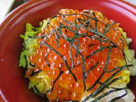 名立大鍋まつり2015 いくら丼¥900