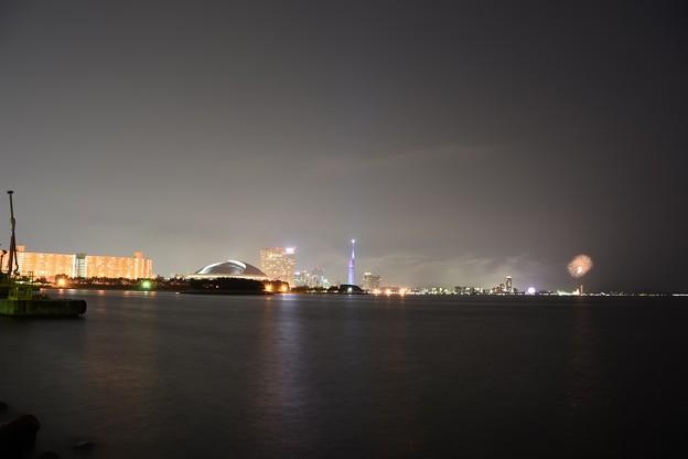 博多港荒津埠頭から、百道を望む