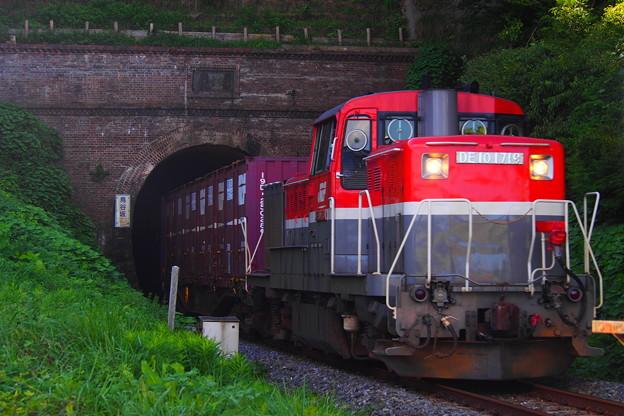 Photos: 石巻線 貨物列車