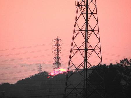 鉄塔と夕陽