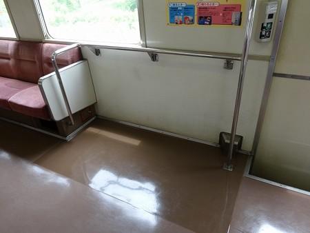 11-車いすスペース