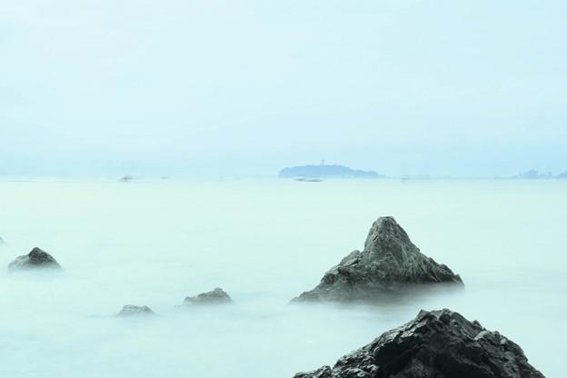 森戸から見る江ノ島