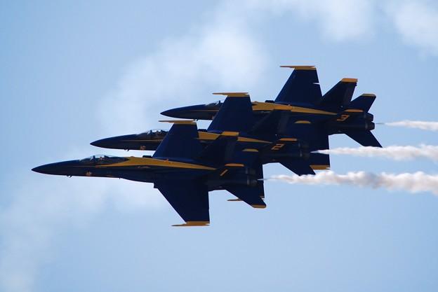 Photos: Blue Angels Echelon Parade1 9-5-15