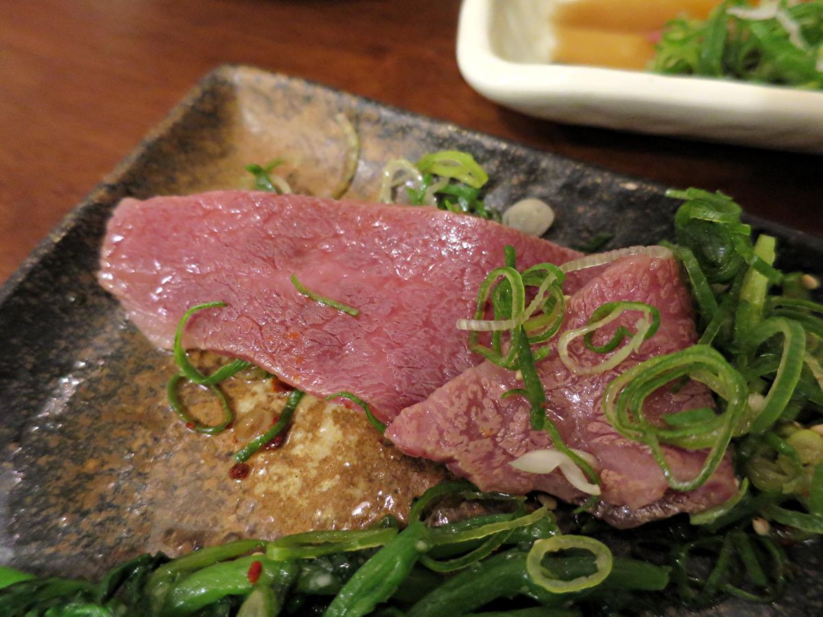 ネギまみれの肉
