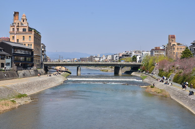 2012_0408_122923 四条大橋