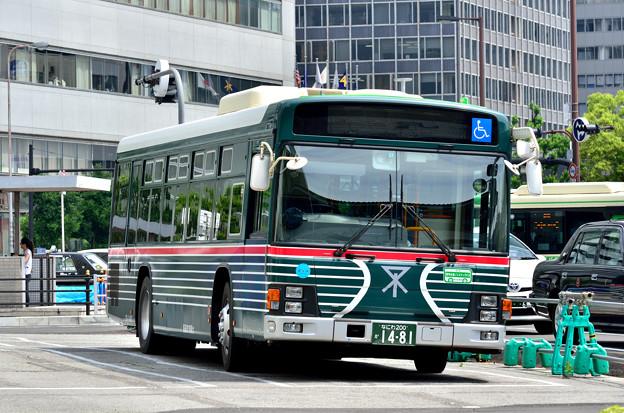 2015_0531_133836_大阪市バス 昔塗装
