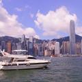 写真: クルーザーと香港島