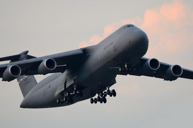 C-5Mスーパーギャラクシー離陸(1)