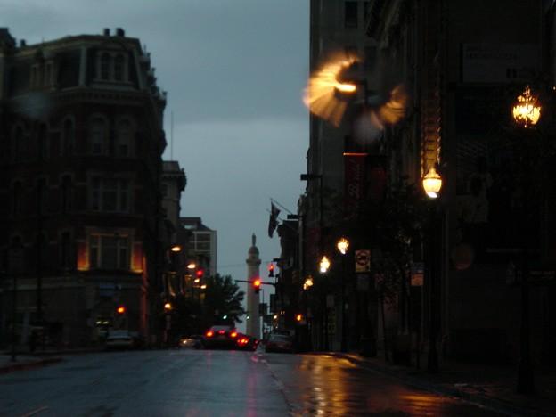 写真: 雨のストリート