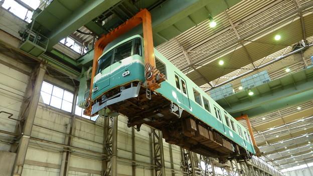 持ち上げる力~京阪電車車両基地~