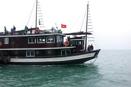 2012.03.11 ハロン湾クルーズ 船で一泊