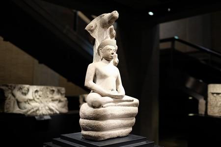 2015.08.15 東京国立博物館 ナーガ上の仏坐像 カンボジア・アンコール・トム TC-378