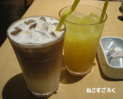 Eggs'n Things エッグスンシングス 原宿  オレンジジュース アイスカフェオレ