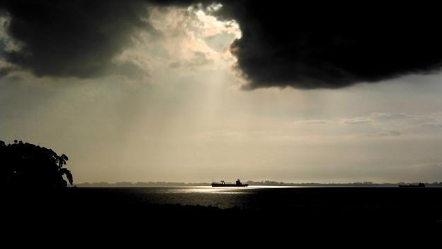 海峡の朝景・3