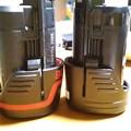 写真: 10,8v ボッシュバッテリーと相互バッテリー