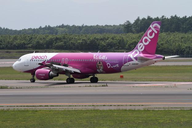 A320 Peach Rune 3番機 JA806P