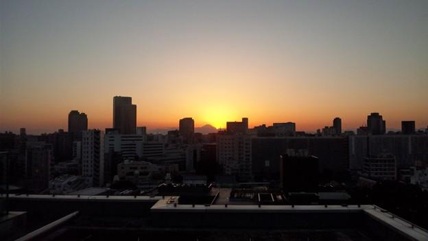 日没。12.02.12.17:11(1)